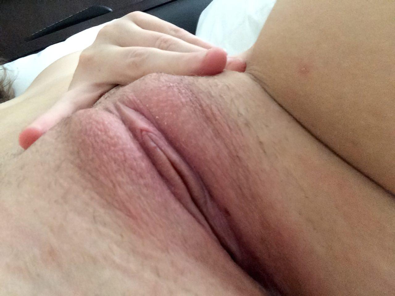 Masturbação na Cama (5)