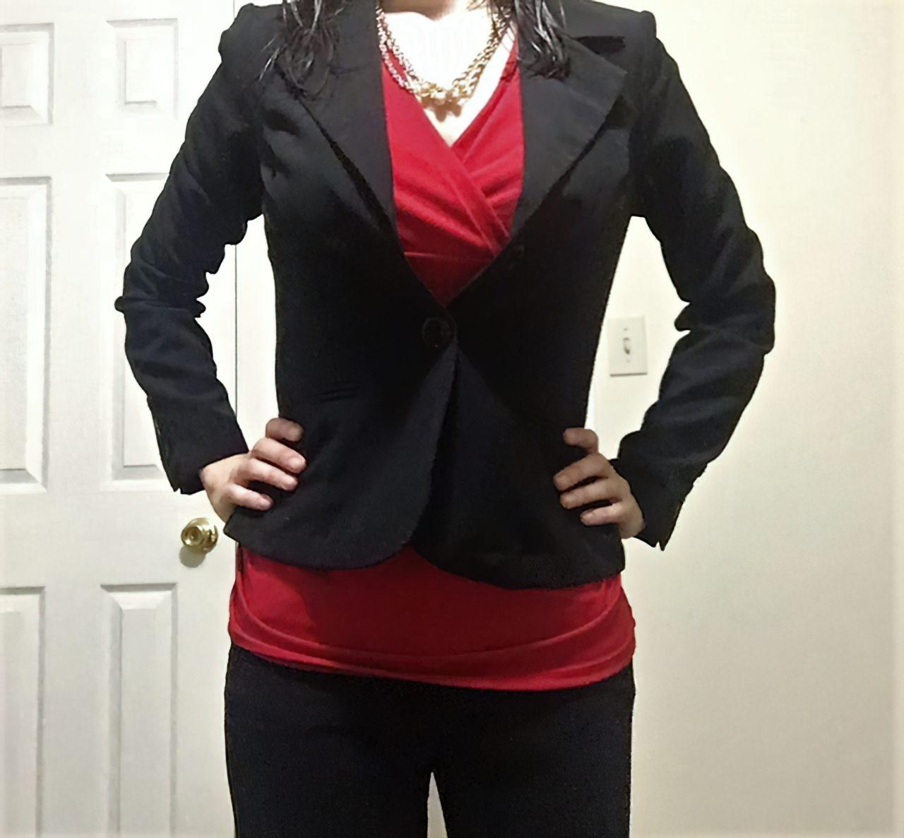 Amadora Vestindo-se Para Ir Trabalhar (13)